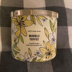 BBW Marble Toffee Candle
